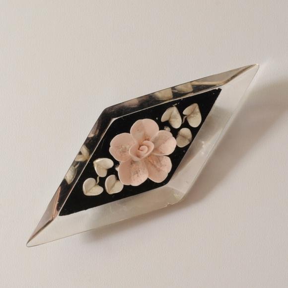 Vintage Jewelry - vintage black lucite encased flower brooch pin